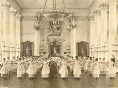 """The Smolny Institute for Noble Maidens Founded in St Petersburg by Catherine the Great in 1764 to provide """"educated women, good mothers, useful family and society members"""": Vintage Beauty, Vintage Fashion, Vintage Photos Women, Vintage Pictures, Vintage Images, Catherine The Great, Best Mother, Vintage Style Outfits, Historical Photos"""