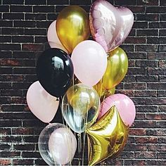@shhimpinnin Balloon Clouds, Balloon Backdrop, Balloon Centerpieces, Balloon Decorations Party, The Balloon, Party Ballons, Birthday Balloons, Teen Birthday, Birthday Parties