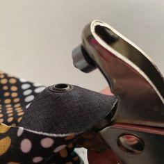 Sirkkarenkaiden kiinnitys helposti ja nopeasti - Unelmallinen ompelublogi Tutu, Heeled Mules, Heels, Fashion, Tunic, Heel, Moda, Fashion Styles, Tutus