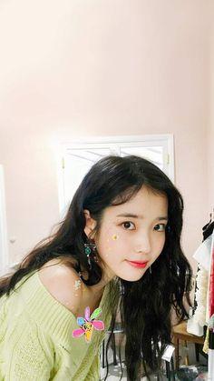 Birthday : Nationality : Korea Height : Formed by : LOEN Entertainment Kpop Girl Groups, Kpop Girls, Asian Woman, Asian Girl, Snsd, Warner Music, Wallpaper Aesthetic, Iu Fashion, Korean Actresses