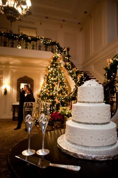 New Year's Eve Wedding- cake and champagne flutes