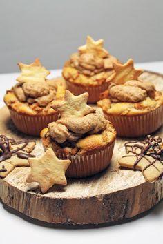 Treurosa Apfel-Zimt-Muffins mit Spekulatiustopping. Sehr lecker und ein total einfaches Rezept. Tolles Rezept für Weihnachten! I Backblog I Food I Foodblog I baking I bake I bakery I Cupcakes I Muffins I Weihnachtsmuffins I Christmas Bakery I Christmas Cupcakes I Apple Cinnamon