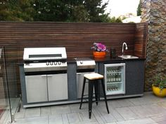 Basic Kitchen Area Concepts For Inside or Outside Kitchen areas – Outdoor Kitchen Designs Small Outdoor Kitchens, Outdoor Bbq Kitchen, Outdoor Barbeque, Outdoor Cooking Area, Outdoor Kitchen Design, Barbecue, Basic Kitchen, Kitchen Ideas, Kitchen Designs