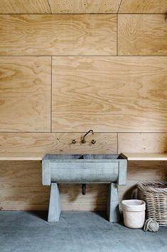 Plywood Wall Treatments We Love - Studio Thomas Plywood Wall Paneling, Wood Panel Walls, Paneled Walls, Plywood Interior, Interior Walls, Plywood Furniture, Modern Furniture, Furniture Design, Painel Home