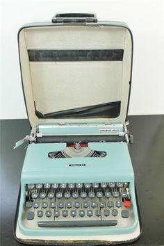 Vintage Italian Underwood Olivetti Lettera 22 Light Blue Typewriter Look | eBay