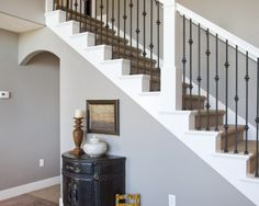 Traditional Staircase Wrought Iron Stairs Design, Pictures, Remodel, Decor and Ideas - page 46 Wrought Iron Stair Railing, Iron Balusters, Banisters, Railings, Metal Spindles, Staircase Remodel, Staircase Makeover, Staircase Ideas, Traditional Staircase