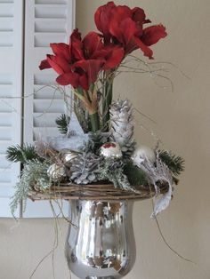 Very noble, large arrangement in silver-colored ceramic cup. Stuck with two great dark red amaryllis, white cones, a brown cabbage . Christmas Flower Arrangements, Christmas Centerpieces, Floral Arrangements, Christmas Decorations, Holiday Decor, Christmas Swags, Etsy Christmas, Christmas Projects, Amaryllis