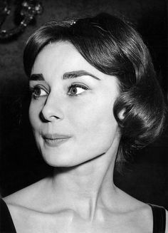 """rareaudreyhepburn: """"Audrey Hepburn at the Plaza Theatre in London, England, during an evening gala for the premiere of War and Peace, on November """" Audrey Hepburn Born, Audrey Hepburn Photos, Classic Hollywood, Old Hollywood, Hollywood Sign, Divas, London Theatre, Glamour, Vintage Hairstyles"""