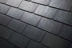 Solar panels (quartz) that look like regular roofing tile—-Tesla CEO Elon Musk announced that its Solar will be ready for order starting today. Solar Energy Panels, Best Solar Panels, Solar Licht, Solar Roof Tiles, Solar Projects, Energy Projects, Slate Roof, Solar House, Solar Energy System