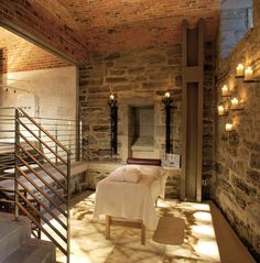 Le Spa  Hotel Le St-James, Montreal    Treatment: Myoxi-Caviar Mask and Green Coffee Body Wrap, 120 min