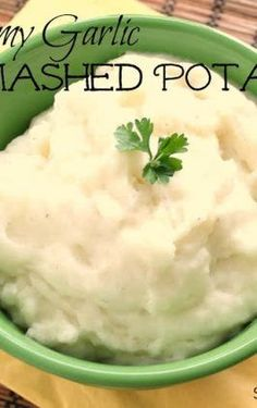 Make-Ahead Mashed Potatoes | Six Sisters' Stuff