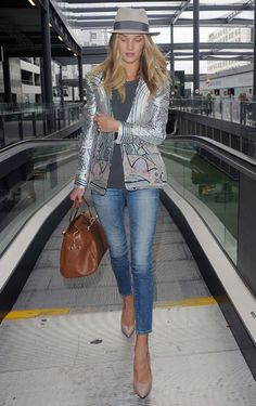 Rosie Huntington-Whiteley relaxed chic.