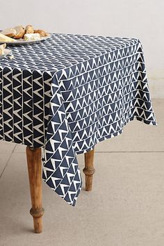 At-An-Angle tablecloth from Anthropologie; it looks nice with a brown surface table Summer Deco, Creation Deco, Textiles, Deco Table, Decoration Table, Table Covers, Table Linens, Apartment Living, Home Textile