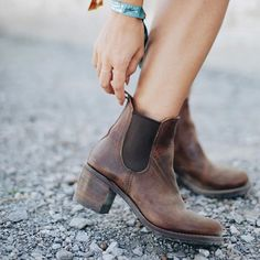 Plain Chunky High Heeled Round Toe Date Outdoor Short High Heels Boots - Outfit of the day Chunky High Heels, Leather High Heels, High Heel Boots, Heeled Boots, Leather Booties, Leather Vans, Biker Leather, Brown Leather, Zapatos Shoes
