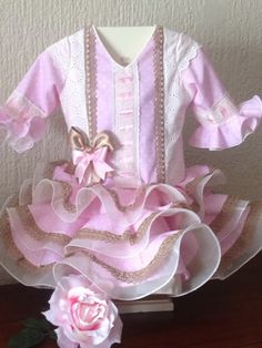 mis dulces nenes Little Girl Dresses, Little Girls, Girls Dresses, Frock Design, Diy And Crafts, Crochet, Cute, Baby, Baby Embroidery