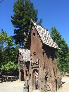 Tree  Houses  of Redwood  Tree  Avenue of Redwoods