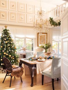 Pleasant festive decoration for a house in Spain All I Want For Christmas, Magical Christmas, Christmas Home, Christmas Ideas, Festival Decorations, Christmas Decorations, Table Decorations, Holiday Decor, Ikea