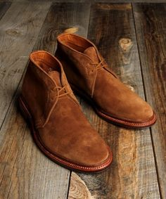 Alden Unlined Chukka Boot: 1493 Snuff Suede
