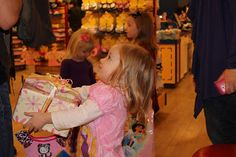 What to expect during a Birthday Party at @Build-A-Bear Workshop. #party #parenting