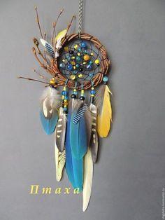 I wish dream catcher were real! Feather Crafts, Feather Art, Dreamcatchers, Beautiful Dream Catchers, Diy And Crafts, Arts And Crafts, Dream Catcher Craft, Medicine Wheel, Nativity Crafts