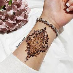 Pretty Henna Designs, Modern Henna Designs, Floral Henna Designs, Henna Tattoo Designs Simple, Finger Henna Designs, Latest Bridal Mehndi Designs, Full Hand Mehndi Designs, Henna Art Designs, Mehndi Designs For Girls