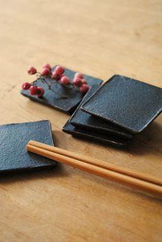 iron chopstick rest (by Shinobu Hashimoto)
