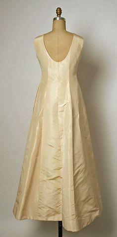 Ensemble, Evening.  House of Balenciaga (French, founded 1937).  Designer: Cristobal Balenciaga (Spanish, 1895–1972). Date: fall/winter 1964–65. Culture: French. Medium: silk. Dimensions: Length (a): 16 in. (40.6 cm). Length (b): 56 in. (142.2 cm).