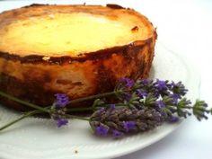 Cheesecake alla lavanda  http://blog.ecquobottega.it/2013/07/profumo-di-lavanda/