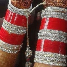 Suraj Ne Phoolo Se Pucha Aaj Tu Itne Khush Kyon Ho Phoolo Ne Muskurate Hue Kaha Aaj Karva Chouth Hai Bridal Bangles, Wedding Jewelry, Wedding Chura, Wedding Bride, Wedding Dress, Chuda Bangles, Marathi Wedding, Punjabi Wedding, Bridal Chuda