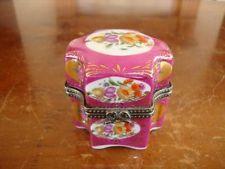 FINE ANTIQUE FRENCH LIMOGES PORCELAIN PERFUME PILL / TRINKET BOX. #4. C1890