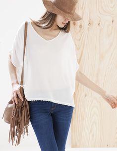 Блуза-кафтан с вязкой крючком по низу
