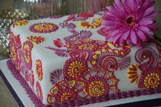 Fresh Cream Wedding Cake Designs - The Best Flowers Ideas Henna Cake Designs, Wedding Cake Designs, Fresh Cream Birthday Cake, Fondant Cakes, Cupcake Cakes, 1st Anniversary Cake, Mehndi Cake, Cream Wedding Cakes, Cake Shapes
