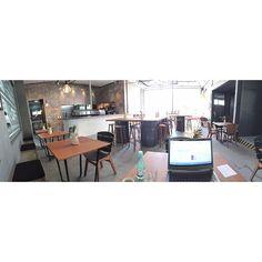 Today's Job! Recomendo o lugar! Ambiente excelente e atendimento excepcional! ☕️🍴🍩🇧🇷 @offcinaco @odjou  #offcinaco #café #coffee #instacoffee #thanksgod #job #work #pic #picohtheday #recomendo #metas #foco #nofilter