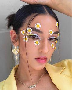 Edgy Makeup, Makeup Eye Looks, Crazy Makeup, Gothic Makeup, Face Paint Makeup, Eye Makeup Art, Fire Makeup, Make Up Designs, Flower Makeup