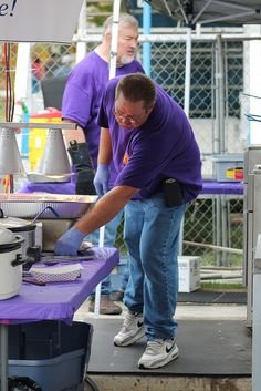 South Elgin #LionsClub had fun serving guests of local festival & raising funds for community projects