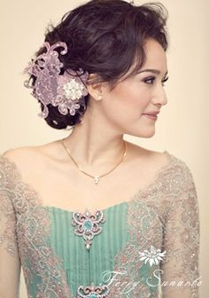 #kebaya - Indonesian national dress - by ferry sunarto http://www.ferrysunarto.com/