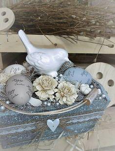 IsaBELLEdecor / Veľkonočná dekorácia v drevenej bedničke s vtáčikom