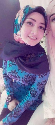 Hijab Style Dress, Hijab Chic, Muslim Girls, Muslim Women, Beautiful Hijab, Beautiful Outfits, Asian Cute, Girl Hijab, Beauty Full Girl