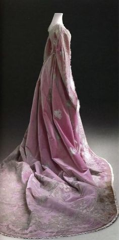 Empress Maria Feodorovna Court Dress - 1860's - Historical State Museum, Moscow