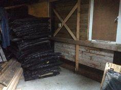 29. Cave is waterdicht. Plaatsen isolatie (25 mm dubbel folie) en aftimmeren van de wanden kan beginnen.