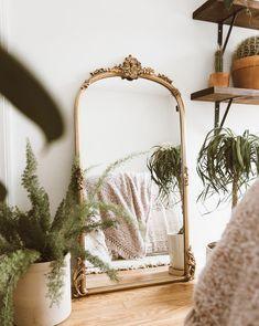Home Interior Catalogo - bohemian bedroom Starter Home, Bedroom Plants, Scandinavian Home, Home Bedroom, Mirror Bedroom, Full Length Mirror In Bedroom, Full Length Mirrors, Bedroom Ideas, Master Bedroom