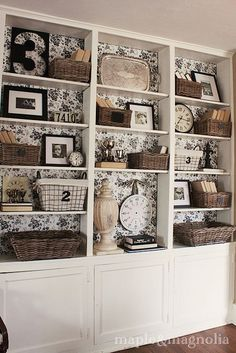 I've got a whole wall of built-ins. Line the back of the shelves with toile covered foam boards - easy to swap over when changing the decor. Cocina Shabby Chic, Bookshelf Styling, Bookshelf Decorating, Rustic Bookshelf, Decorating Ideas, Decor Ideas, Contact Paper, My New Room, Built Ins