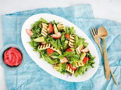 Grillijuusto-mansikkasalaatti