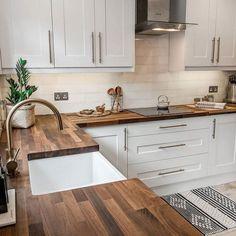 Kitchen Room Design, Kitchen Dinning, Kitchen Redo, Home Decor Kitchen, Kitchen Interior, New Kitchen, Home Kitchens, French Kitchen Decor, Farmhouse Kitchens