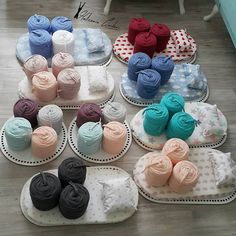 Image may contain: 3 people, food Baby Moses, Crochet Basket Pattern, Crochet Patterns, Diy Gift Box, Baby Shower Princess, Crochet Bebe, Crochet Baby Clothes, Dollar Tree Store, Baby Boy Gifts