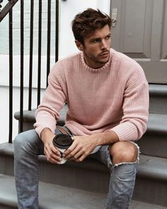 mens fashion casual looks fab ! Photography Poses For Men, Hommes Sexy, Latest Mens Fashion, Tomboy Fashion, Gentleman Style, Mens Clothing Styles, Sexy Men, Men Sweater, Men Casual