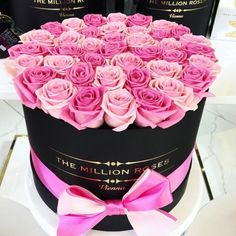 Creativity, innovation, exclusivity – The Million Roses redefined floral design in its principles. Hat Box Flowers, Rare Flowers, Bunch Of Flowers, Flower Boxes, My Flower, Pretty Flowers, Box Roses, Cut Flowers, Billion Roses