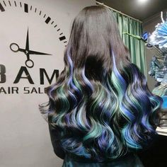 What you must to do with your black hair. Bright Blue Hair, Ulzzang Hair, Black Hair With Highlights, Long Hair With Bangs, Anime Hair, Dye My Hair, Aesthetic Hair, Tips Belleza, Cool Hair Color