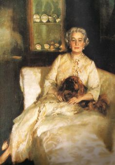 LADY WITH PEKE