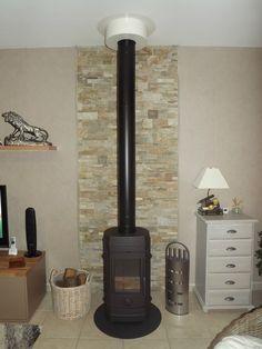 briquette de parement derriere mon poele briquette de parement briquettes et parement. Black Bedroom Furniture Sets. Home Design Ideas